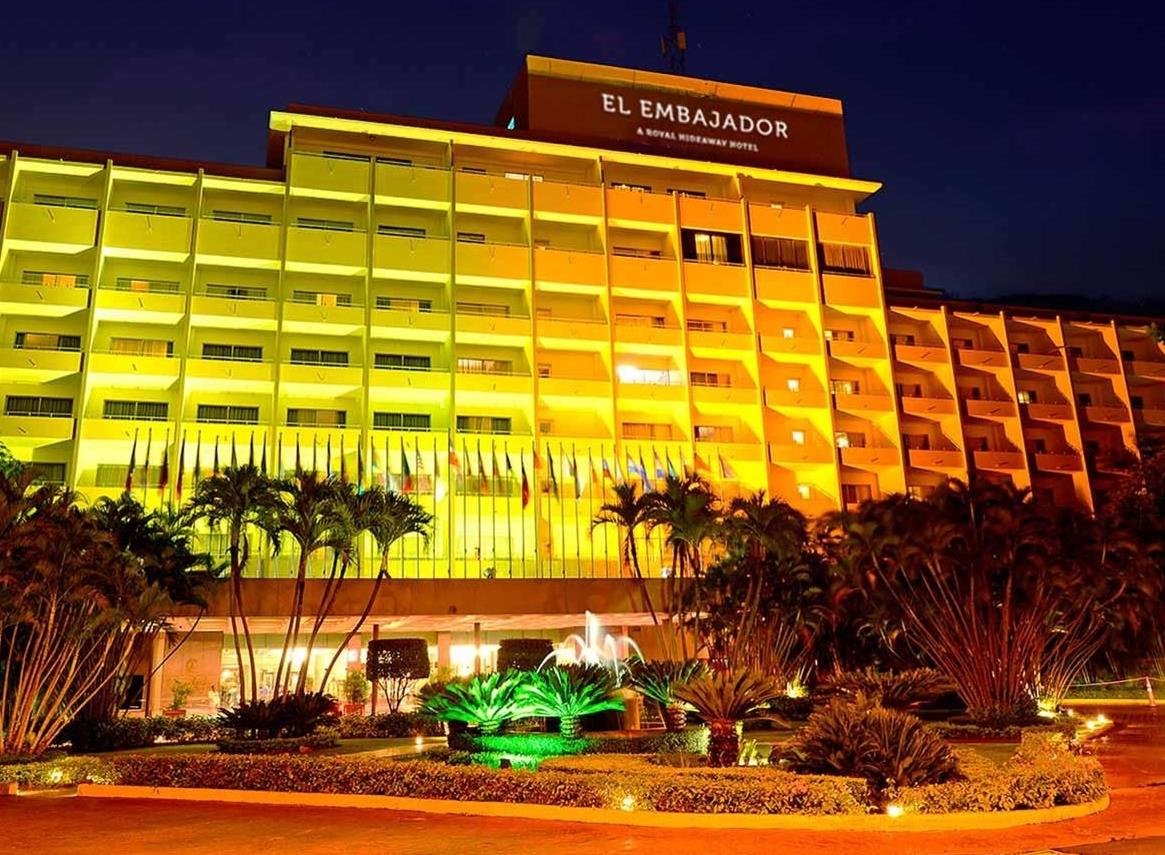 377-facade-2-occidental-hotel-el-embajador_tcm20-103461_w1600_n
